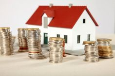 Per tutte le altre tipologie immobiliari, così come per le seconde o eventuali terze case, i contribuenti continueranno a pagare l'Imposta Municipale Unica, anche nel 2012, in sole due rate.