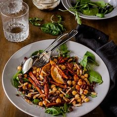 This fantastic Roasted Moroccan Carrot vegetarian salad is packed full of spices and is hearty and satisfying enough to feed a crowd.