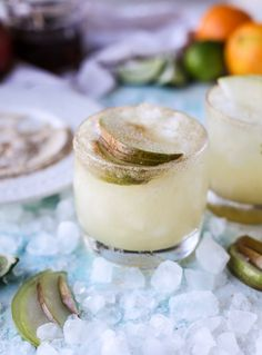 honey vanilla pear margaritas I howsweeteats.com