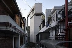 Image 30 of 30 from gallery of The March Rabbit / L'EAU design. Photograph by L'EAU design Architecture Office, Architecture Design, Korean Design, Small Modern Home, Image 30, Small Buildings, Seoul, Brick, House Design