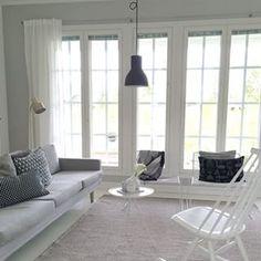 Olohuoneen keveämpi kesäilme  #myhome #summertime #valanti #liniedesign #asko @lannamobler #decoration #decor  #scandinavianhome #scandinavianstyle #livingroom