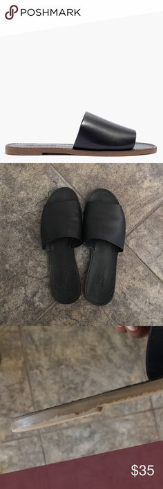 Madewell Boardwalk Slide Sandal in Black Leather slides from Madewell. Paint is peeling on the sole. See photos. Worn only a handful of times. Size 8.5 Madewell Shoes