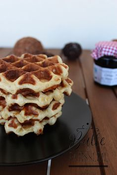 Lige waffles the real recipe Pastry bubble Paleo Waffles, Potato Waffles, Belgian Food, Belgian Waffles, Paleo Sweet Potato, Food Tags, Cafe Food, Eat Smart, Waffle Recipes