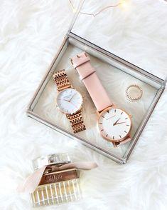Ho giusto una piccola ossessione per gli orologi... quale scelgo per oggi? 😍 Ps. Lo so, ad uno devo ancora inserire le pile nuove... sono…