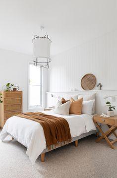 Guest Bedrooms, Master Bedroom, White Bedroom Walls, Bedroom Wall Lights, Cream Carpet Bedroom, White Walls, Style Deco, Indoor Outdoor Living, Bedroom Styles