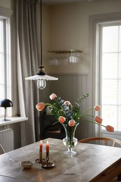 Copenhagen Apartment, Interior And Exterior, Interior Design, Scandinavian Home, Cool Rooms, Home Fashion, Living Room Bedroom, Ceiling Lights, Table Decorations