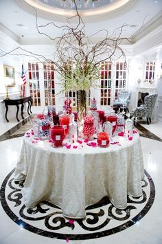 We all love candy, right? That's why we love the idea of a candy table at your reception. Done right, a candy buffet doubles as a delicious favor and an eye-catching part of your décor.