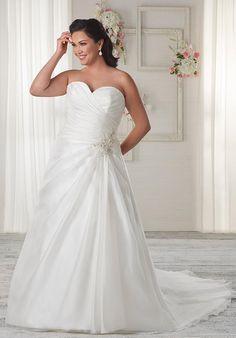 Unforgettable by Bonny Bridal 1607 Wedding Dress photo