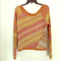 Awesome sweater! Free People sweater, multi color Free People Sweaters Crew & Scoop Necks