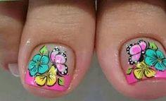 Hermoso diseño de mariposas para una linda pedicura ~ Manoslindas.com Pedicure Nail Designs, Pedicure Nail Art, Toe Nail Designs, Toe Nail Art, Easy Nail Art, Cute Toe Nails, Fun Nails, Love Nails, Cute Pedicures