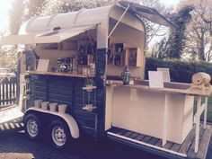 In August 2016 The Pickled Pony was born, our quirky mobile bar and coffee house was a previously loved Rice Beaufort horse box, it's been given a… - Catering Trailer, Food Trailer, Barista Coffee Machine, Coffee Shop, Mobile Bar, Food Trucks, Cocktail Ginger Ale, Horse Box Conversion, Coffee Food Truck