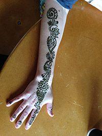 Azeen Art - Henna Henna Designs, How To Draw Hands, Bridal, Art, Henna Art Designs, Art Background, Kunst, Hand Reference, Performing Arts