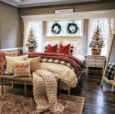 These fabulous Christmas bedroom decor ideas will help get your home ready for the holiday season! Here's how to decorate a bedroom for Christmas. Farmhouse Christmas Decor, Farmhouse Decor, Cozy Christmas, Cabin Christmas Decor, Home For Christmas, Homemade Christmas, Christmas Living Room Decor, Christmas House Decorations, Christmas Movies