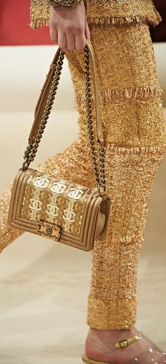 A Closer Look at Chanel Resort 2015 Accessories Chanel Resort, Chanel Cruise, Outlet Michael Kors, Cheap Michael Kors, Michael Kors Tote, Handbags Michael Kors, Coco Chanel, Chanel 2015, Chanel Bags