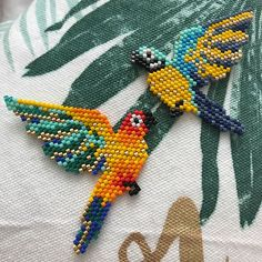 off loom beading techniques Beaded Bracelet Patterns, Bead Loom Patterns, Bird Patterns, Peyote Patterns, Beading Patterns, Beaded Jewelry, Beaded Crafts, Beaded Ornaments, Seed Bead Art