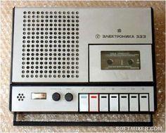 """В 1980-е магнитофон являлся главным атрибутом крутого парня, который мог без труда устроить вечеринку или взять аппаратуру с собой в турпоход. С """"кассетником"""" можно было выйти во двор или прогуляться с друзьями по району.""""Кассетник"""" был мечтой всех мальчишек тех лет…"""