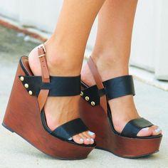 Combinando sapatos - Anabela - http://vestidododia.com.br/dicas/como-combinar-sapatos-com-vestidos/
