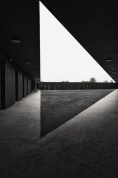 Fassio-Viaud architects and David Devaux - Kennel for police unit in Moissy Cramoyel Architecture Design, Light Architecture, Amazing Architecture, Architecture Geometric, Architecture Magazines, Contemporary Architecture, Brutalist, Light And Shadow, Black And White Photography