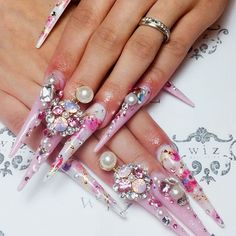 a blog dedicated to all gyaru/gal manicures, but mostly of the long, deco, crazy type keep your...