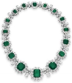 Necklace from Elizabeth Taylor's Bulgari emerald and diamond suite, circa 1962. Via Diamonds in the Library.