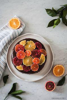 Torta all'arancia con crema al cioccolato e ricotta