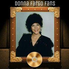 Donna Fargo Donna Fargo, Happy Girls, Country Music, Mona Lisa, Artwork, Board, Work Of Art, Auguste Rodin Artwork, Country