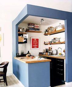 Aménagement original d'une petite cuisine ouverte http://www.homelisty.com/amenagement-petite-cuisine/