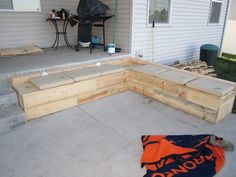 pallet patio couch! $60- could also work for a bench for our dining room table!