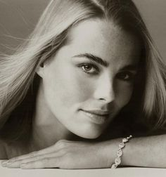 Margaux Hemingway (1954-1996) Model, actress, older sister of Mariel