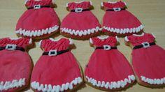 Biscoitos decorados vestido mamãe Noel Biscoitos decorados lepier #lepier #lepierarteechocolate #biscoitosdecorados #biscoitos #biscoitosdenatal #casadebiscoito #gingerbread #gingerbreadhouse #mamaenoel