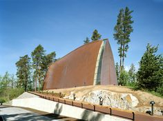 Henry's Ecumenical Art Chapel Sanaksenaho Architects Location: Turku, Finland Surface area: 300 Building period: Timber Architecture, Sacred Architecture, Church Architecture, Architecture Design, Tectonic Architecture, Easy Wood Projects, Cool Woodworking Projects, Fine Woodworking, Copper House