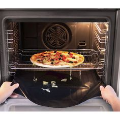 Use a removable oven liner. | 28 Helpful Cleaning Tips For Incredibly Lazy People