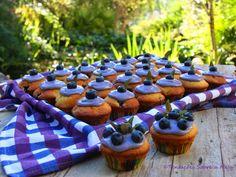 Tentações Sobre a Mesa: Queques de Mirtilo - Blueberry cupcakes