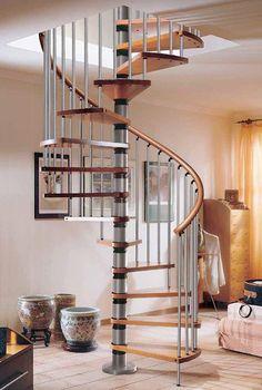 Las escaleras tradicionalmente conocidas como escaleras de caracol, son un elemento llamativo de la arquitectura de la vivienda y del que también podemos sacar partido.