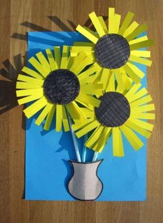 25 Van Gogh Inspired Art Projects for Kids is part of Flower crafts For Kids These Van Gogh inspired projects are a great way to share master art with your children The subjects kids are introduced - 3d Art Projects, Projects For Kids, Sewing Projects, Spring Art, Spring Crafts, Spring 2016, Classe D'art, Sunflower Crafts, Sunflower Art