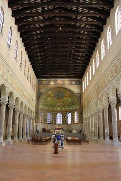 Nave_of_Basilica_of_Sant'Apollinare_in_Classe,_Ravenna.