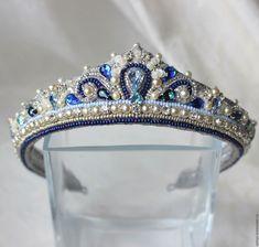 how to make a ballet tiara Royal Crowns, Tiaras And Crowns, Bridal Crown, Bridal Tiara, Crown Pattern, Mermaid Crown, Diy Crown, Pamela, Circlet