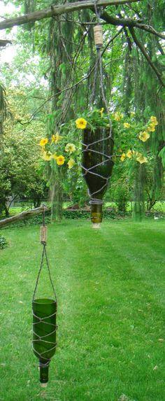 Hanging Wein Flasche Pflanzer mit Korken  750ml von TheProjectors