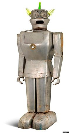 AN ITALIAN HUMANOID ALUMINUM ROBOT TITLED 'CYGAN', CIRCA 1957, DESIGNED BY DR. ING FIORITO | Vintage and Retro Space Age Raygun, Rocket and Robot Toys | Sugary.Sweet | #SpaceAge #Toy #Robot #SciFi