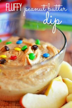 Peanut Butter Dip Whipped peanut butter, brown sugar and cream cheese are the perfect combination for this fluffy dip! Whipped peanut butter, brown sugar and cream cheese are the perfect combination for this fluffy dip! Fruit Snacks, Yummy Snacks, Delicious Desserts, Snack Recipes, Dessert Recipes, Yummy Food, Snacks Homemade, Dip Recipes, Dessert Dips