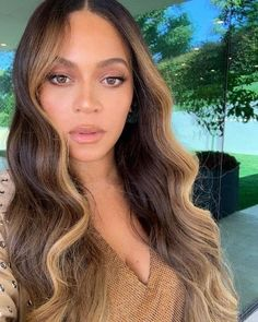 Lace Front Wigs Brown With Blonde Highlights, Brown Blonde Hair, Light Brown Hair, Hair Highlights, Dark Blonde, Brown Hair With Balayage, Honey Balayage, Caramel Highlights, Medium Blonde