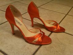 Found on Weddingbee.com Share your inspiration today! Love these as bridesmaids shoes...if only they were flats