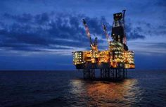 En effet, malgré les prix bas du pétrole, le moment est à l'investissement dans de nouvelles exploitations en vue de garantir des réserves futures en prévision d'un rebond du marché à terme. La concurrence est rude, en particulier parmi les pays les moins explorés, pour attirer l'explora