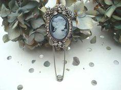Broche rétro vintage : 8.90€ Retrouvez d'autres bijoux fantaisies sur : https://bijoux-retro-vintage.com
