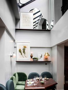 Henrietta Hotel is a must-see for any design lovers passing through London. DESIGN Dorothée Meilichzon