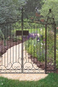 Metal Garden Gate. If I Beg Luke He Might Make This For Me :D
