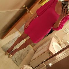 Express 3/4 poof sleeve dress Only worn once, bright pink color pops. The second picture was an attempt to show you it has pockets haha. It is XS but in my opinion, Express runs a smidge big. Fits like a small. 100% silk Express Dresses