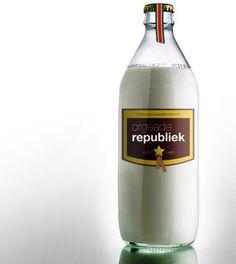 """""""Orgeade is een drank die van origine werd ingevoerd door de Joodse planters die naar Suriname kwamen. Mij is verteld dat het eerst gemaakt was van gerst. Orge betekent gerst. Daarna werden de amandelen gebruikt in de loop der jaren waardoor het nu een..."""