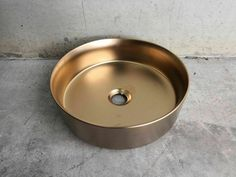(On top counter basin. New baking tech, mm edges just as your dishes, COLORbaked into porcelain, not coating). Matte Blush, Matte Pink, Porcelain Sink, Porcelain Ceramics, Green And Gold, Mint Green, Basin Sink, Diy Bathroom Remodel, Dog Bowls