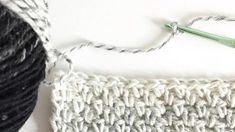 How to Crochet the Moss Stitch This Crochet Moss Stitch is a great fool-proof straight edge stitch. I'm excited to share, although, I do know probably many crocheters know this stitch Crochet Blanket Patterns, Baby Blanket Crochet, Crochet Baby, Free Crochet, Knit Crochet, Easy Crochet, Chevron Blanket, Booties Crochet, Crochet Afghans